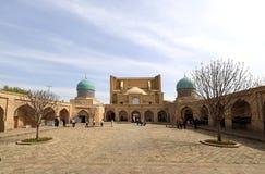 Barak-Khan Madrasah - Tasjkent - Uzbekistan fotografering för bildbyråer
