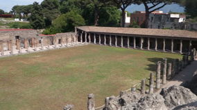 Barakken van de Gladiatoren in Pompei Italië stock video