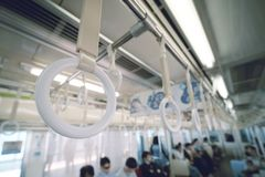 Barandilla blanca en metro fotografía de archivo libre de regalías