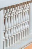 Barandilla del viejo estilo, cerca del balcón Imágenes de archivo libres de regalías