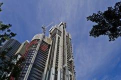 Barangaroo塔建筑从下面 免版税库存图片
