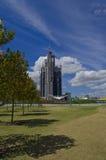 Barangaroo从公园的塔建筑 免版税库存图片