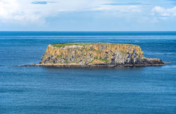 Barania wyspa w Północnym - Ireland, UK Zdjęcia Royalty Free