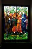 Baranow Sandomierski, цветное стекло в часовне дворца в Baranow Sandomierski стоковые фотографии rf