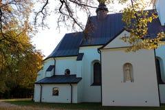 Baranow Sandomierski, Polonia - la vecchia chiesa immagini stock