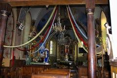 Baranow Sandomierski, Türen und Innenraum der alten Kirche stockbilder