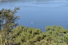 Barapani西隆人做了湖美丽的野餐斑点 库存图片