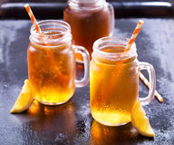 Barattoli del tè di ghiaccio del limone Fotografia Stock Libera da Diritti