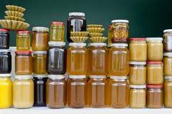 Barattoli di miele immagini stock