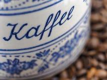 Barattolo bavarese d'annata del caffè Fotografie Stock