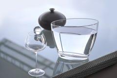 Barattolo di vetro di acqua Fotografie Stock