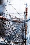 Barb Wire en Omheining Royalty-vrije Stock Foto