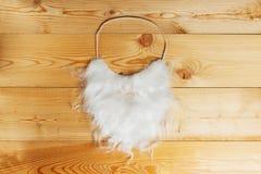 Barba branca em uma madeira Imagem de Stock Royalty Free