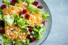 Barbabietola ed insalata delle arance con feta Immagine Stock