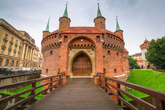 Barbacane de Cracovie en Pologne Image stock