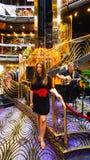 Barbados, Barbados - 11 de maio de 2016: A entrada interior no navio de cruzeiros da liberdade do carnaval está pronta para turis Fotos de Stock Royalty Free