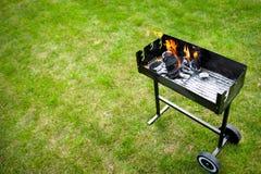 Barbaque in voorbereiding, met brand Royalty-vrije Stock Fotografie