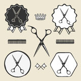 A barbearia do vintage scissors a etiqueta do emblema do símbolo Imagens de Stock