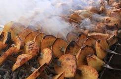 Barbecue arménien avec le feu Image libre de droits