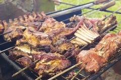 Barbecue brasiliano Gaucho di Churrasco Churrasco Uruguay Carne cotta Spiedo della carne fotografia stock