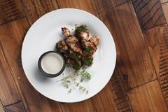 Barbecue d'ailes de poulet Images stock