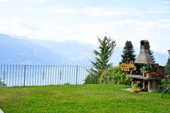 Barbecue dans la Chambre d'été en San Zeno di Montagna, Italie photo stock