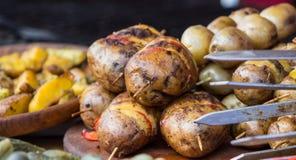 Barbecue de pomme de terre de rôti photographie stock libre de droits