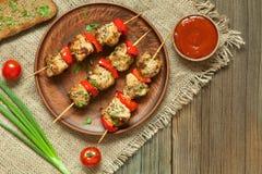 Barbecue delizioso tradizionale dello spiedo di kebab del tacchino Fotografia Stock