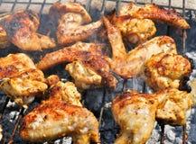 Barbecue die bij weekend roostert Stock Foto's