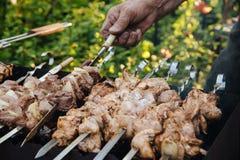 Barbecue extérieur en été images libres de droits