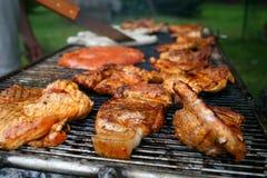 Barbecue met Lapjes vlees Royalty-vrije Stock Foto's