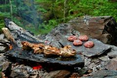 Barbecue nel legno Immagini Stock Libere da Diritti