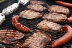 Barbecue op de Grill Stock Foto's