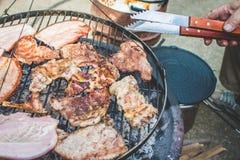 Barbecue op de grill Stock Fotografie