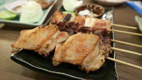 Barbecued цыпленок или зажаренный цыпленок или зажаренный в духовке цыпленк цыпленок Стоковые Изображения
