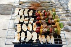 Barbecuegrill van vlees en veggies royalty-vrije stock foto's