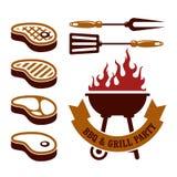 Barbecuepartij - lapjes vlees en grill Stock Afbeeldingen