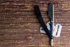 Barbeiro e salão de beleza profissionais à moda, lâmina, accessorie do corte de cabelo imagens de stock royalty free