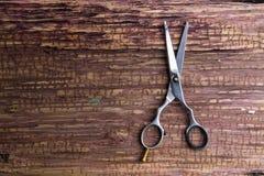 Barbeiro e salão de beleza profissionais à moda, tesouras do cabelo, C.A. do corte de cabelo fotos de stock