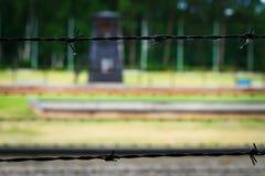 Barbelé de la barrière du camp de concentration de Nazi German photographie stock libre de droits
