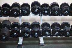barbells μαύρη γυμναστική στοκ φωτογραφία με δικαίωμα ελεύθερης χρήσης