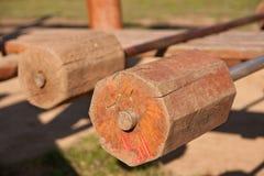 Barbells prontos para o exercício, fora Fotos de Stock Royalty Free