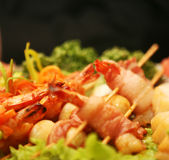 Barbequed prawn salad Stock Images