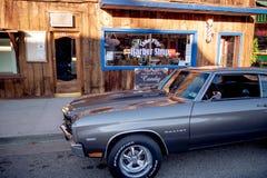 Barber Shop anziana nel villaggio storico del pino solo - PINO SOLO CA, U.S.A. - 29 MARZO 2019 immagini stock