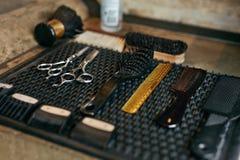 Barber Tools And Equipment In Barber Shop Hair Salon Close acima foto de stock royalty free