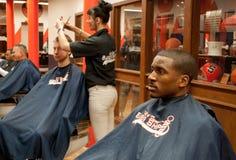 Barberaren shoppar Fotografering för Bildbyråer