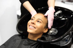 Barberaretvagninghuvud royaltyfri fotografi