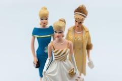 Barbie Dolls gegen Weiß Selektiver Fokus lizenzfreies stockbild