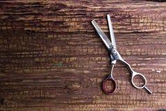 Barbiere e salone professionali alla moda, forbici dei capelli, CA di taglio di capelli Fotografia Stock