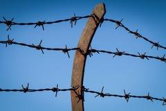Barbwire-Zaundetail Lizenzfreie Stockfotografie